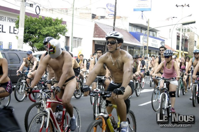 Naked Ride 2 043