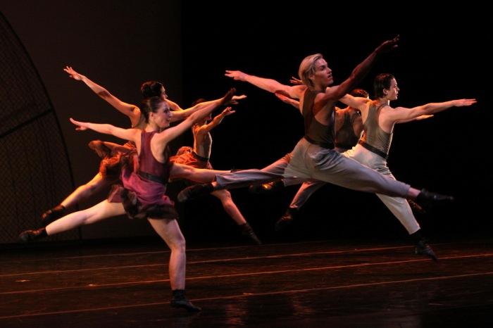 024-ballet-contemporaneo-del-teatro-san-martin_resize