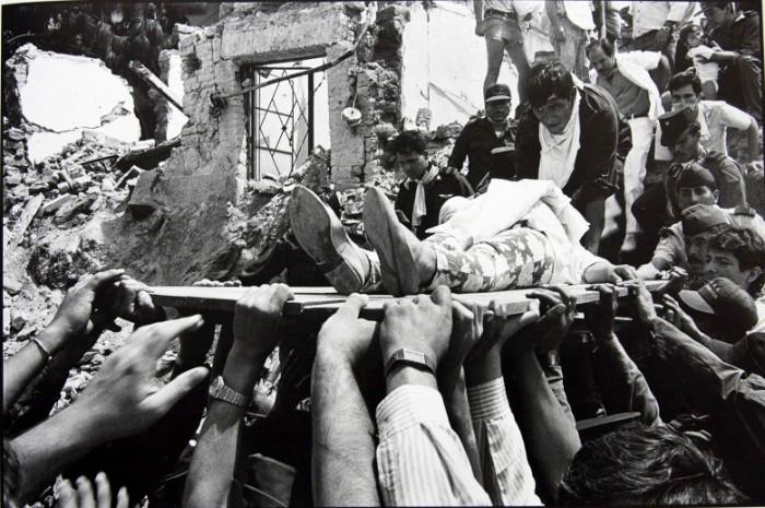 Fotografía por José Hernández Claire después de las explosiones del Barrio de Analco de Guadalajara. Premio Rey de España 1992